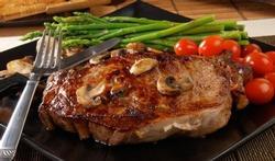 Avec de la viande rouge, mangez des pommes de terre froides