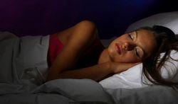 Dormir dans l'obscurité totale pour moins grossir ?