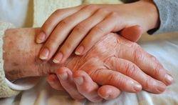 Alzheimer : soutenir les proches est crucial
