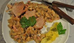 Le filet mignon de porc aux lardons et aux champignons